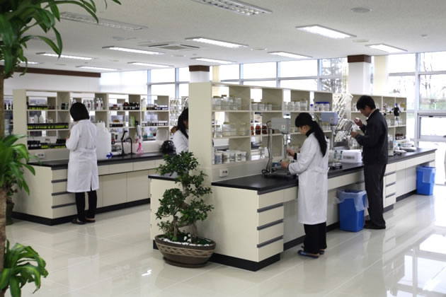 韓方一筋、中央研究所